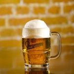 Ein gemütliches Bier im Restaurant Sandmann genießen.